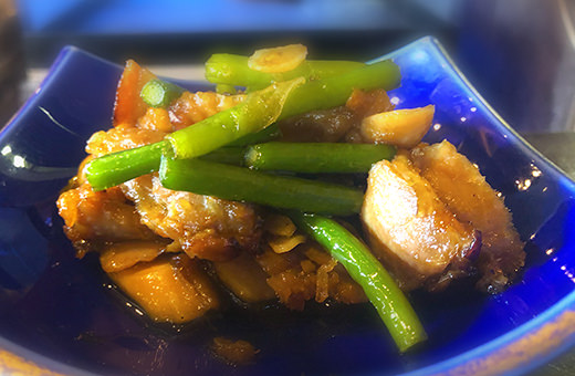 鶏とニンニクの芽のスタミナ炒
