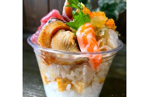 インスタ映え・カップで海鮮丼(寿司ご飯)